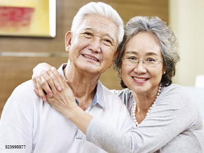 """不想""""老掉牙"""",老年人要怎么维护口腔健康?"""