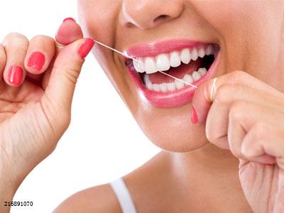 用牙线牙缝会变大?牙签的危害才更大