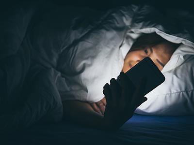 特殊时期宅家刷手机,复工后颈椎僵硬疼痛怎么办?